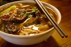 Sopa de tallarines de la carne de vaca Imagen de archivo libre de regalías