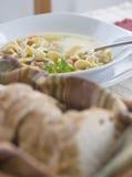 Sopa de tallarines del pollo Imagen de archivo