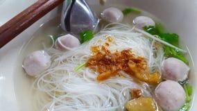 Sopa de tallarines tailandesa de arroz Fotos de archivo