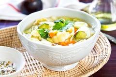 Sopa de vegetais com massa Foto de Stock