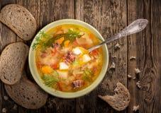 Sopa de verduras con la carne Foto de archivo libre de regalías