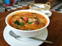 Sopa de verduras tailandesa de Tom de la comida yum Foto de archivo
