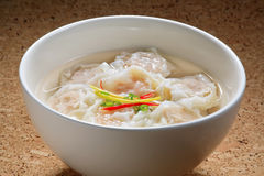 Sopa de Wonton do camarão Imagens de Stock