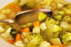 Sopa del bróculi con las patatas Imagen de archivo libre de regalías