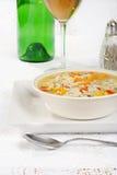 Sopa del pollo y del arroz salvaje con el vino Fotos de archivo libres de regalías