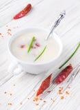 Sopa del queso con la salchicha ahumada imágenes de archivo libres de regalías