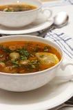 Sopa del tomate con las aceitunas foto de archivo