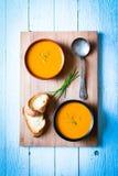 Sopa deliciosa cremosa de la calabaza del vegano fotos de archivo