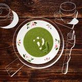 Sopa deliciosa dos espinafres fotos de stock royalty free