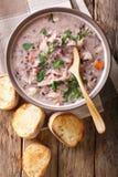 Sopa dietética deliciosa feita do arroz selvagem com galinha e vege Imagens de Stock