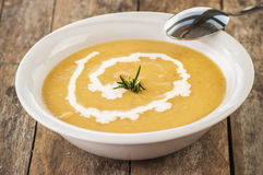 Sopa do creme da cenoura-abóbora do vegetariano Fotos de Stock Royalty Free