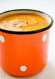 Sopa do creme da cenoura-abóbora do vegetariano com sementes de linho Fotografia de Stock