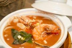 Sopa do marisco com camarões imagens de stock royalty free