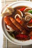 Sopa do marisco de Tom yum fotografia de stock