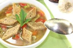 Sopa do pão com verdes Foto de Stock Royalty Free