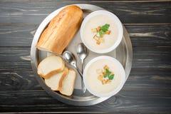 Sopa do queijo com pão branco Foto de Stock Royalty Free