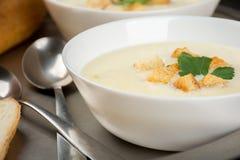 Sopa do queijo com pão branco Imagem de Stock Royalty Free