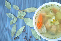 Sopa dos peixes com vegetais imagem de stock royalty free