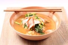 Sopa e bolinha de massa de macarronete Fotografia de Stock