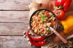 Sopa e ingredientes do minestrone vista superior horizontal Imagens de Stock