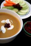 Sopa e salada fotografia de stock