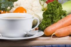 Sopa e vegetais Fotografia de Stock Royalty Free