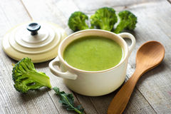 Sopa fresca del bróculi Imagenes de archivo