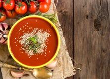 Sopa fresca del tomatoe Imagenes de archivo