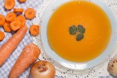 Sopa hecha en casa de la zanahoria Fotografía de archivo libre de regalías
