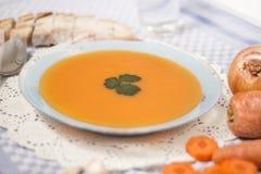Sopa hecha en casa de la zanahoria Imagen de archivo