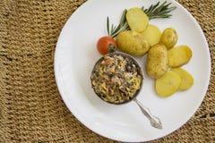 Sopa juliana con las patatas cocidas foto de archivo libre de regalías