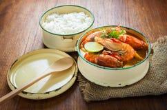 Sopa picante alimento, do camarão de rio tailandeses ou goong de tom yum imagens de stock royalty free