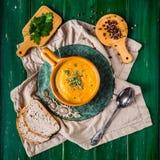 Sopa picante de la zanahoria fotos de archivo