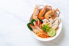sopa picante de los camarones (Tom Yum Goong foto de archivo libre de regalías