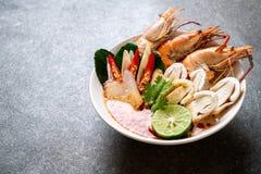 sopa picante de los camarones (Tom Yum Goong imágenes de archivo libres de regalías