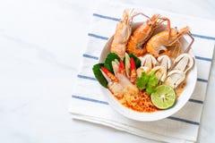 sopa picante dos camarões (Tom Yum Goong imagens de stock royalty free