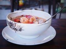 sopa picante tailandesa do camarão, tom yum Kung imagem de stock royalty free