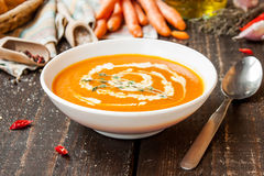Sopa poner crema de la zanahoria Imagen de archivo libre de regalías