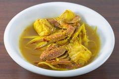 Sopa quente e ácida com caranguejo de cavalo e vegetais, do sul tailandês Fotos de Stock