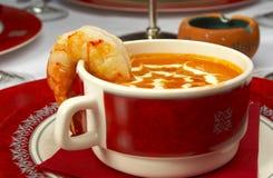 Sopa sabrosa en un vector en el restaurante Fotos de archivo libres de regalías