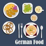 Sopa, saladas e petiscos alemães da culinária Fotografia de Stock