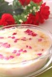Sopa tónica con las flores Imágenes de archivo libres de regalías