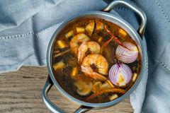 Sopa tailandesa de Tom Yum imagens de stock royalty free
