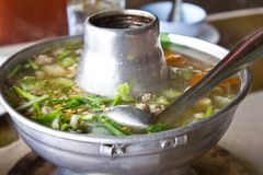 Sopa tailandesa no potenciômetro quente Fotografia de Stock