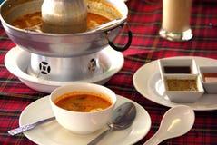 Sopa Tom do marisco Yum em Tailândia imagens de stock royalty free