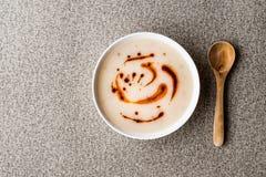 Sopa turca Dugun Corbasi com molho fritado da manteiga Copie o espaço Foto de Stock