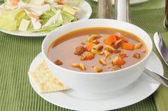 Sopa y ensalada Foto de archivo libre de regalías
