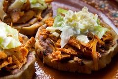 Sopes de Tinga do mexicano fotos de stock