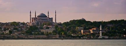 sophia del hagia de Estambul y faro del ahirkapi Fotos de archivo