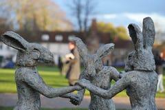 Sophie Ryder Art Exhibition alla cattedrale di Salisbury Immagini Stock